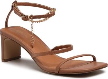 Sandały DeeZee z klamrami ze skóry na obcasie