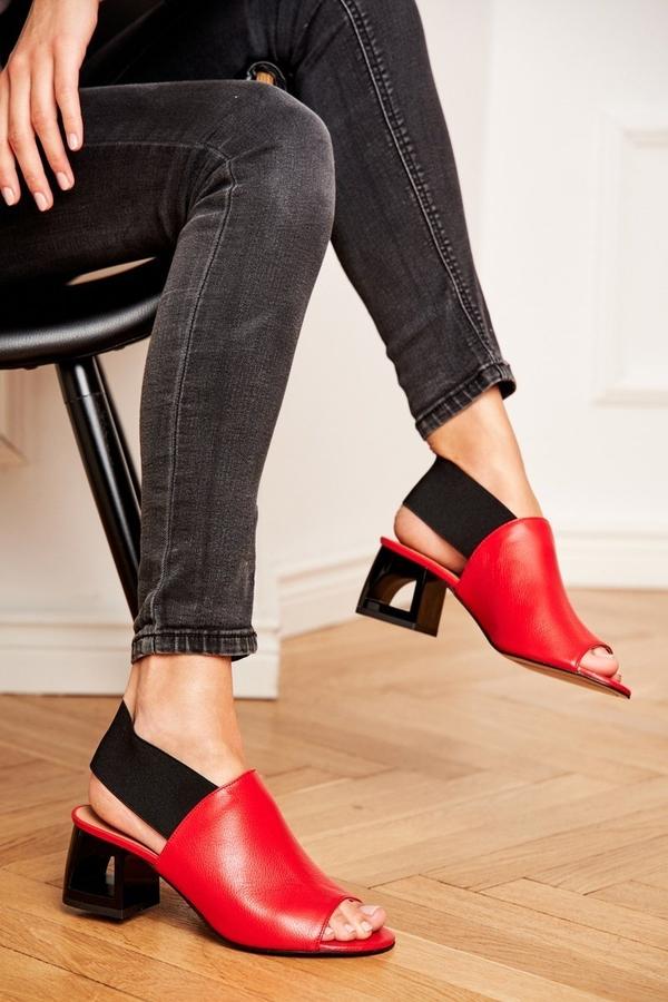 Sandały Laura Messi z klamrami
