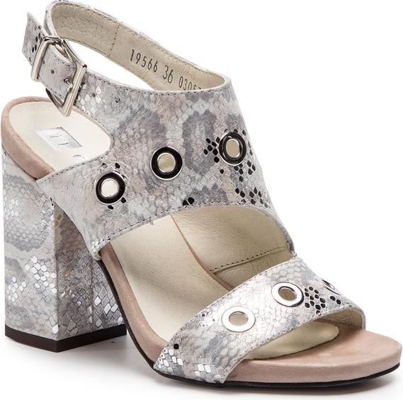 Sandały Nessi z klamrami w stylu casual
