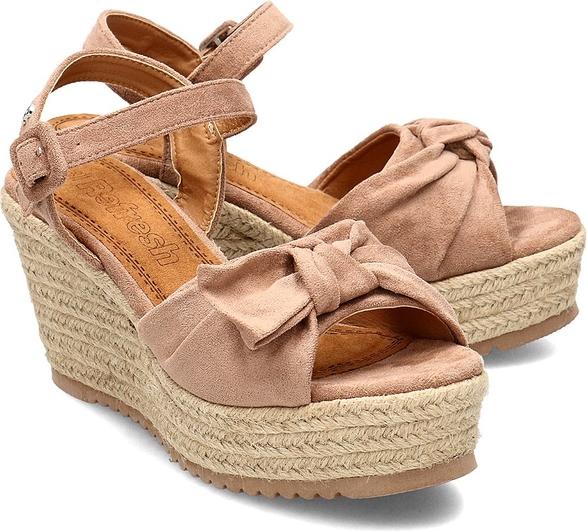 Sandały Refresh z klamrami na koturnie beżowe gQGTTRfa