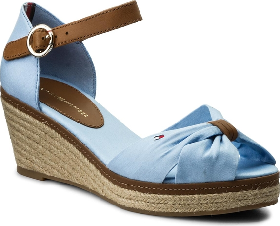 dd35e1303dfad Błękitne sandały tommy hilfiger na koturnie w stylu boho z klamrami
