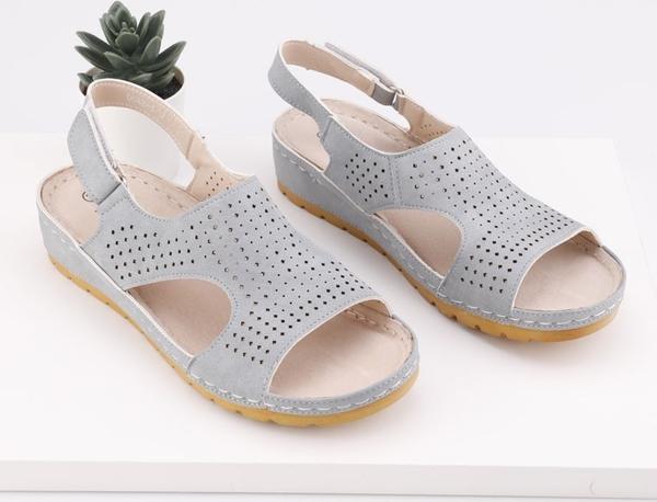 Sandały Yourshoes w stylu casual ze skóry ekologicznej na koturnie