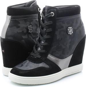 ba89e29aa10b2 Sneakersy Tommy Hilfiger sznurowane