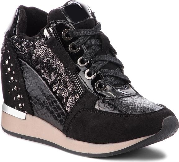Sneakersy XTI w młodzieżowym stylu
