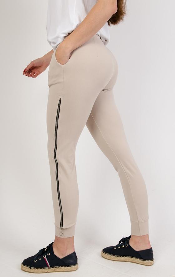 Spodnie Olika w sportowym stylu