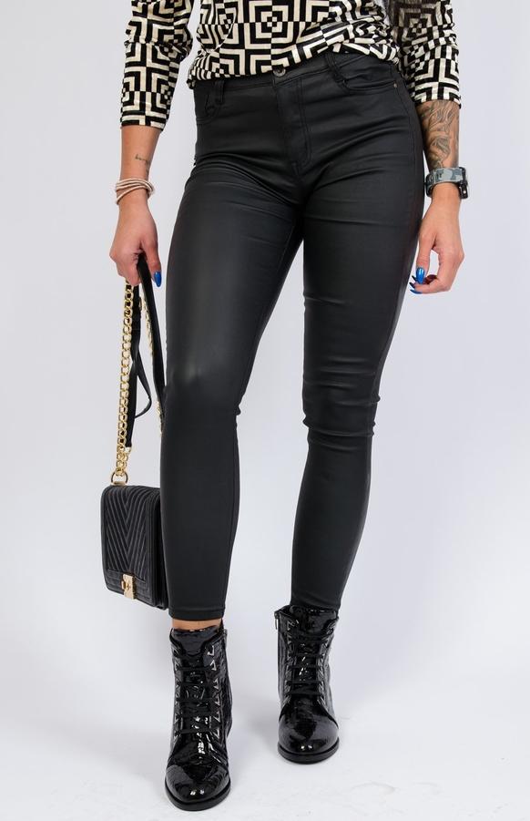 Spodnie Olika ze skóry w rockowym stylu