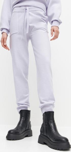 Spodnie sportowe Reserved z dresówki