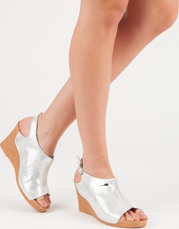 Srebrne sandały Czasnabuty na koturnie