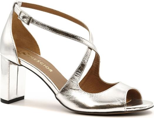 Srebrne sandały Neścior w stylu klasycznym ze skóry na niskim obcasie