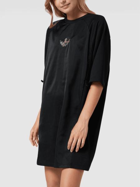 Sukienka Adidas Originals z okrągłym dekoltem