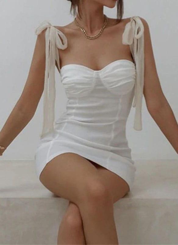 Sukienka Arilook mini na ramiączkach w stylu casual