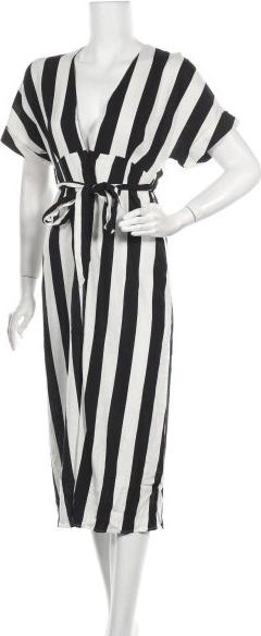 Sukienka Bardot z dekoltem w kształcie litery v