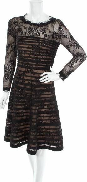 Sukienka Bernshaw z okrągłym dekoltem z długim rękawem