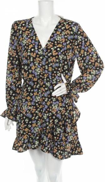 Sukienka Bik Bok z dekoltem w kształcie litery v