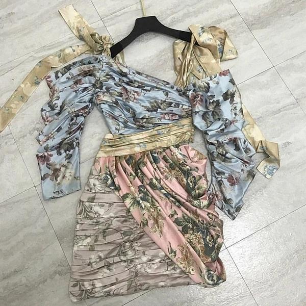 Sukienka Billion Ladies z dekoltem w kształcie litery v mini