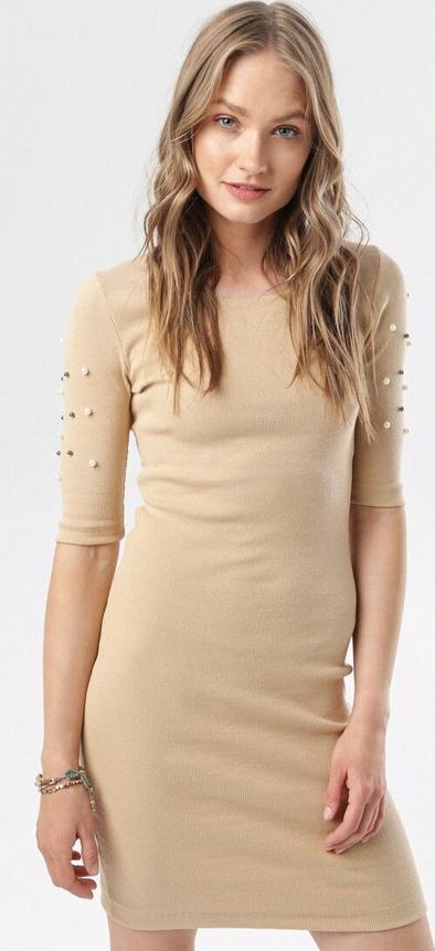 Sukienka born2be dopasowana z okrągłym dekoltem z krótkim rękawem