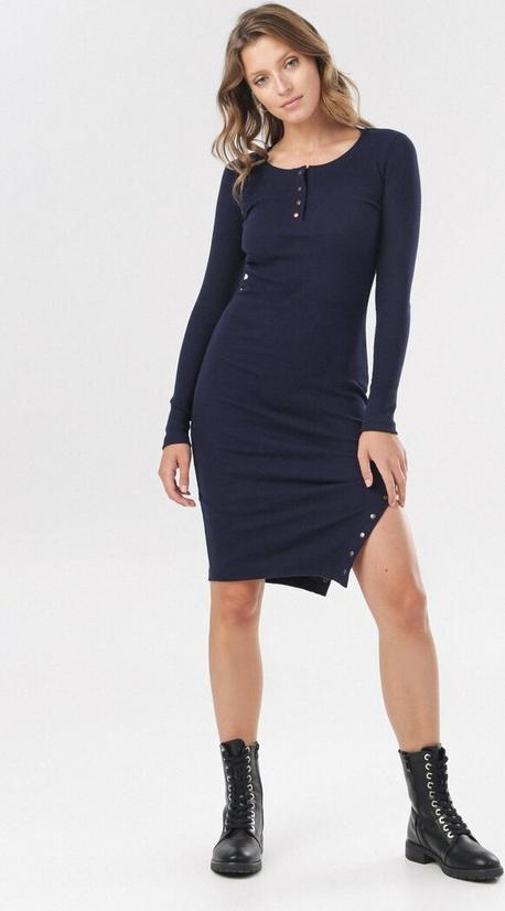Sukienka born2be mini dopasowana z okrągłym dekoltem