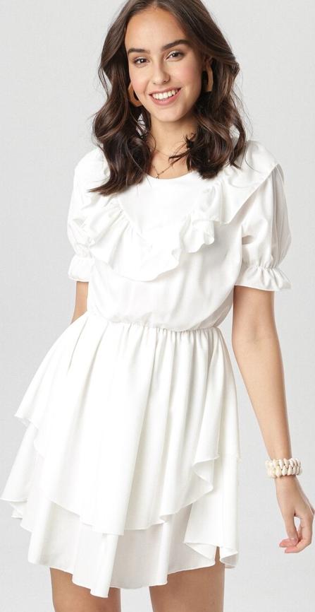 Sukienka born2be rozkloszowana z krótkim rękawem z okrągłym dekoltem