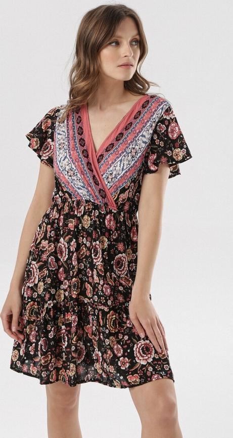 Sukienka born2be w stylu casual mini z krótkim rękawem