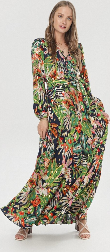 Sukienka born2be z dekoltem w kształcie litery v w stylu boho z długim rękawem