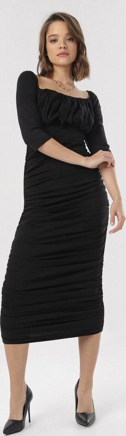 Sukienka born2be z długim rękawem