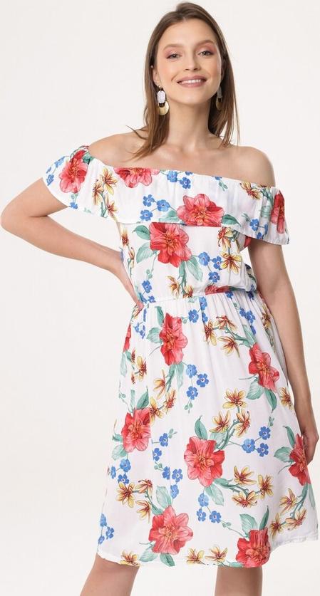Sukienka born2be z odkrytymi ramionami z krótkim rękawem w stylu casual