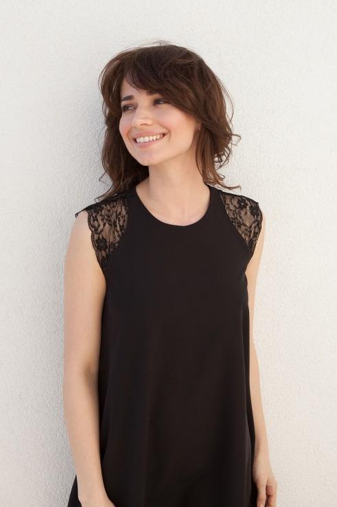 Sukienka butik-choice.pl z okrągłym dekoltem w stylu casual