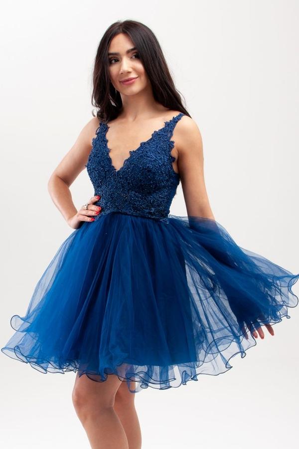 Sukienka Butik Ecru na ramiączkach z dekoltem w kształcie litery v z tiulu