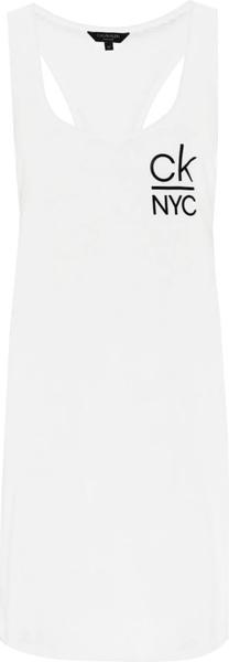 Sukienka Calvin Klein prosta mini z okrągłym dekoltem
