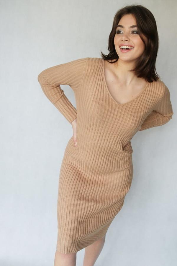 Sukienka Endoftheday oversize z dekoltem w kształcie litery v midi