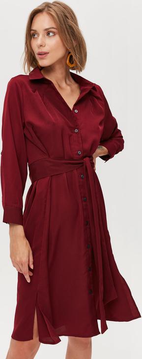 Sukienka FEMESTAGE Eva Minge midi w stylu casual z kołnierzykiem