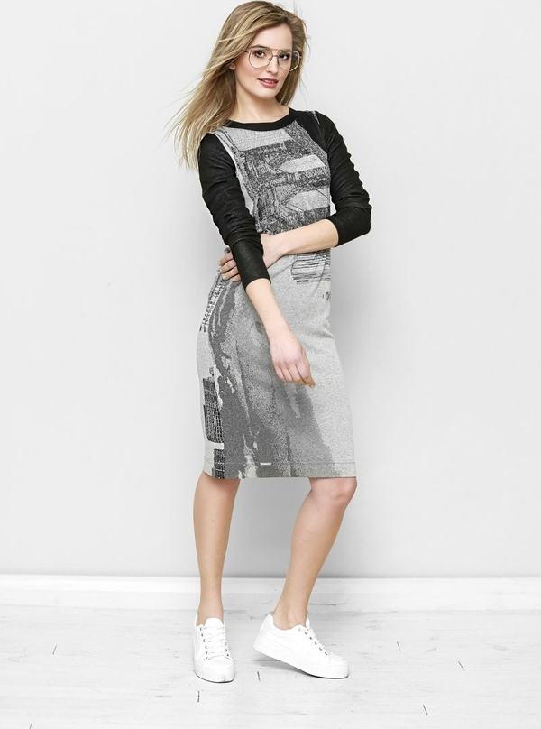 Sukienka Freeshion z długim rękawem z okrągłym dekoltem midi