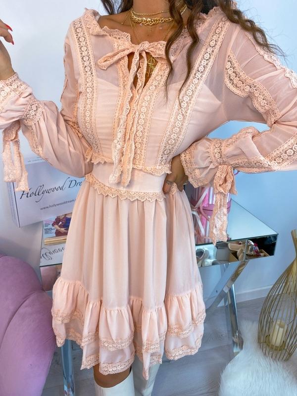 Sukienka Hollywood Dream z długim rękawem