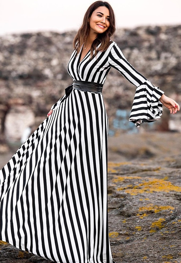 Sukienka IVET.PL rozkloszowana w stylu retro maxi