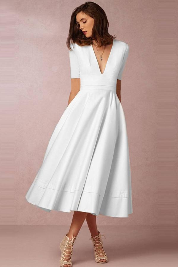 Sukienka Ivet.pl z dekoltem w kształcie litery v z krótkim rękawem