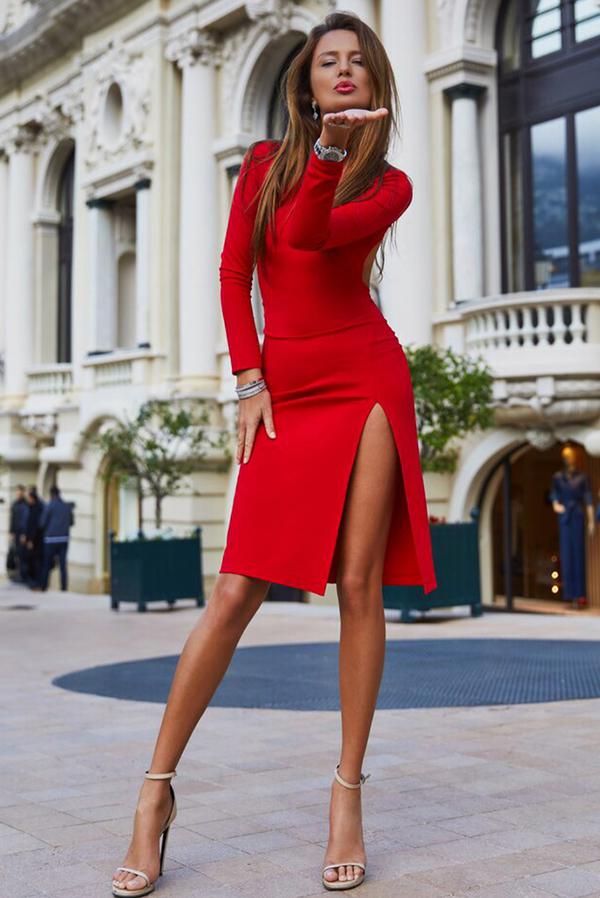 Sukienka Ivet.pl z długim rękawem z okrągłym dekoltem midi