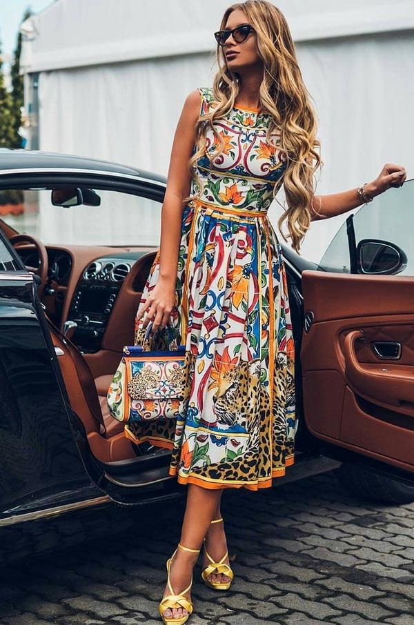 Sukienka Ivet.pl z okrągłym dekoltem w stylu casual