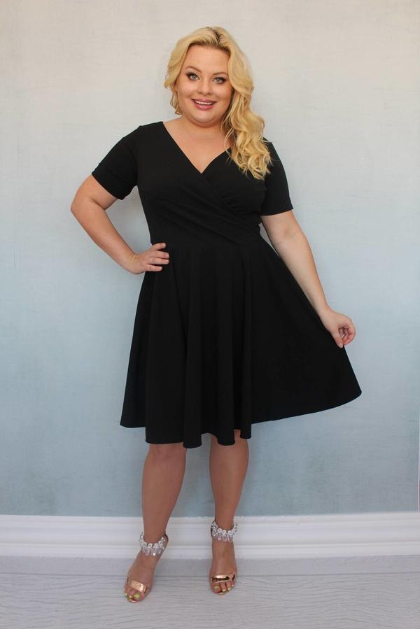 Sukienka KARKO dla puszystych z krótkim rękawem z tkaniny