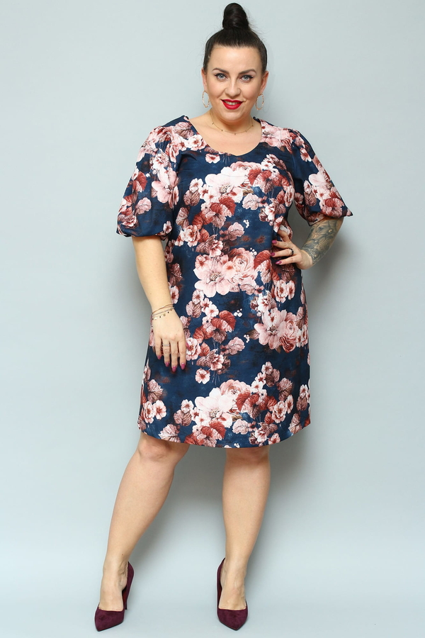 Sukienka KARKO dla puszystych z okrągłym dekoltem z tkaniny