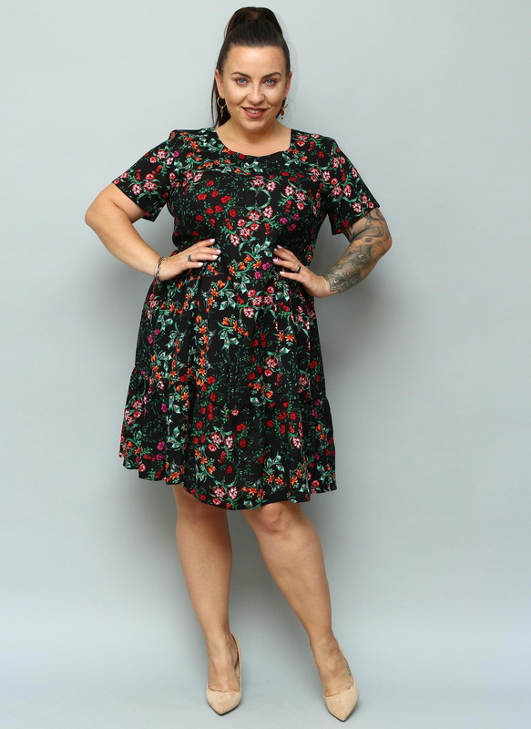 Sukienka KARKO w stylu casual dla puszystych