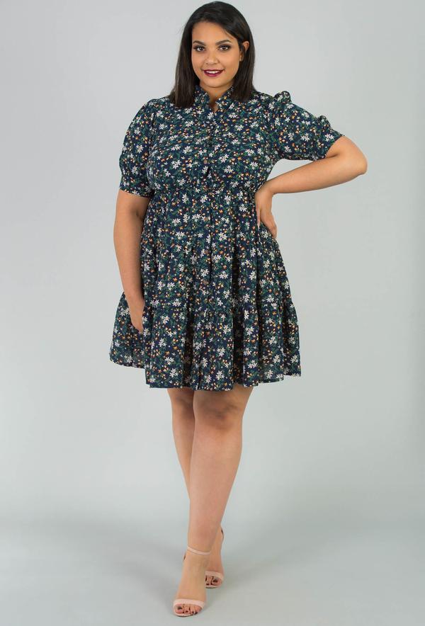 Sukienka KARKO w stylu casual z kołnierzykiem