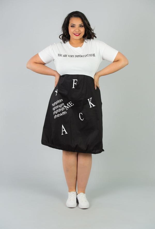 Sukienka KARKO z krótkim rękawem w stylu casual bombka