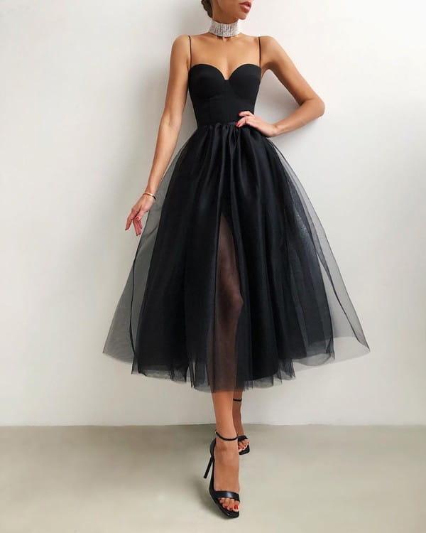 Sukienka Kendallme na ramiączkach rozkloszowana