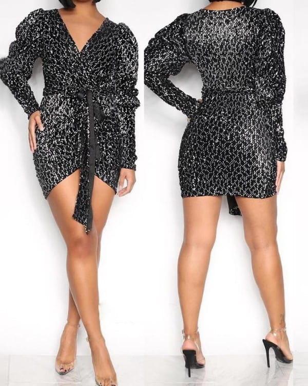 Sukienka Kendallme z dekoltem w kształcie litery v z długim rękawem w stylu casual