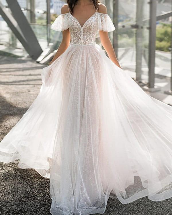 Sukienka Kendallme z krótkim rękawem z dekoltem w kształcie litery v