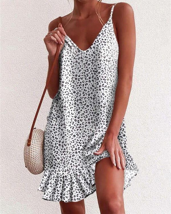 Sukienka Kendallme z odkrytymi ramionami mini na ramiączkach