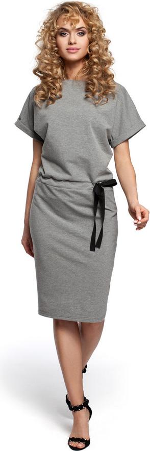 Sukienka Made Of Emotion z krótkim rękawem w stylu casual prosta