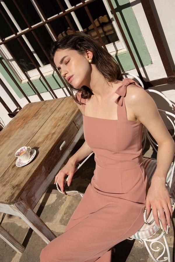 Sukienka MOE na ramiączkach