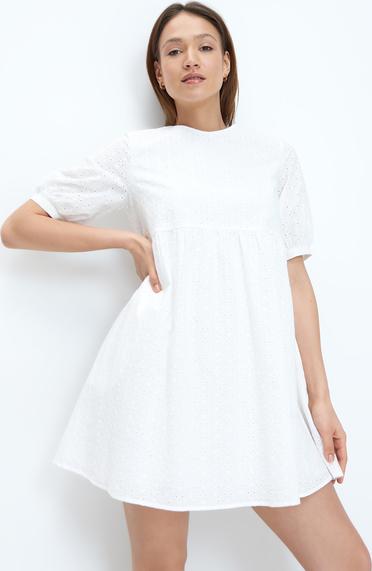 Sukienka Mohito z krótkim rękawem w stylu casual mini