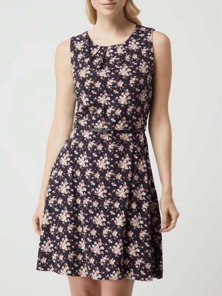 Sukienka Montego bez rękawów rozkloszowana